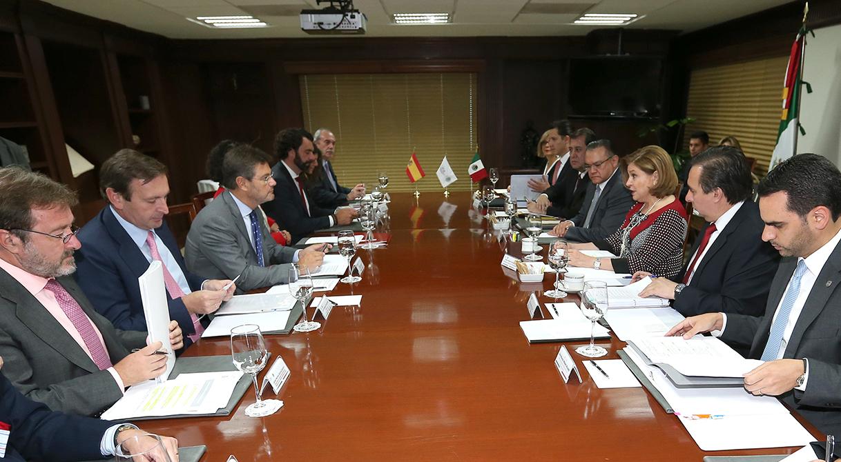 Arely Gómez González sostuvo una reunión de trabajo con el Ministro de Justicia de España