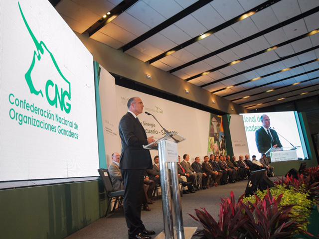 La meta es que juntos, todos los actores del sector, hagamos este país más productivo y equitativo, con una mayor solidaridad y empuje para los núcleos sociales, mediante un trabajo coordinado e interinstitucional: secretario José Calzada Rovirosa.