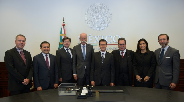 En la reunión se informó que en estas instalaciones se producirán 2 vehículos Premium de nueva generación para las marcas Infiniti y Mercedes Benz.