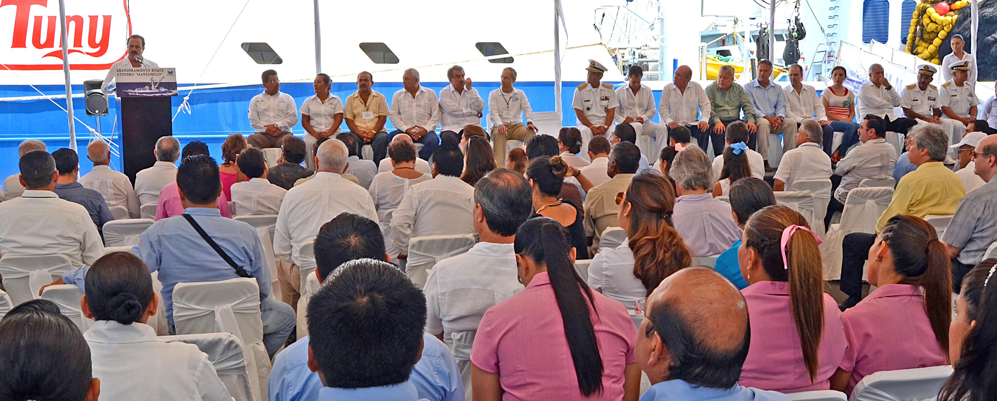 El Gobierno Federal establece en todo el territorio nacional, de manera coordinada con el sector productivo, una pesquería ordenada y sustentable, la cual ha quedado demostrada en foros internacionales.