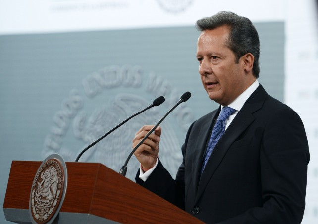Eduardo Sánchez, en conferencia, dio a conocer que en el curso de la reunión, el Presidente Peña Nieto giró instrucciones precisas a sus colaboradores.