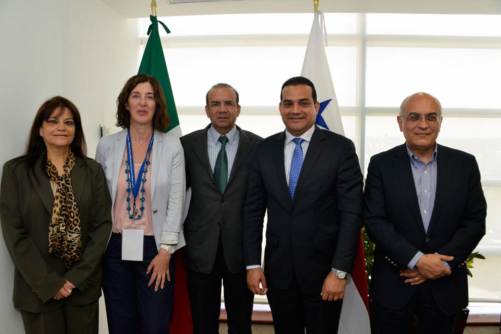 El Secretario del Trabajo y Previsión Social, Alfonso Navarrete Prida acompañado por el Ministro de Trabajo y Desarrollo Laboral de Panamá, Luis Ernesto Carles.