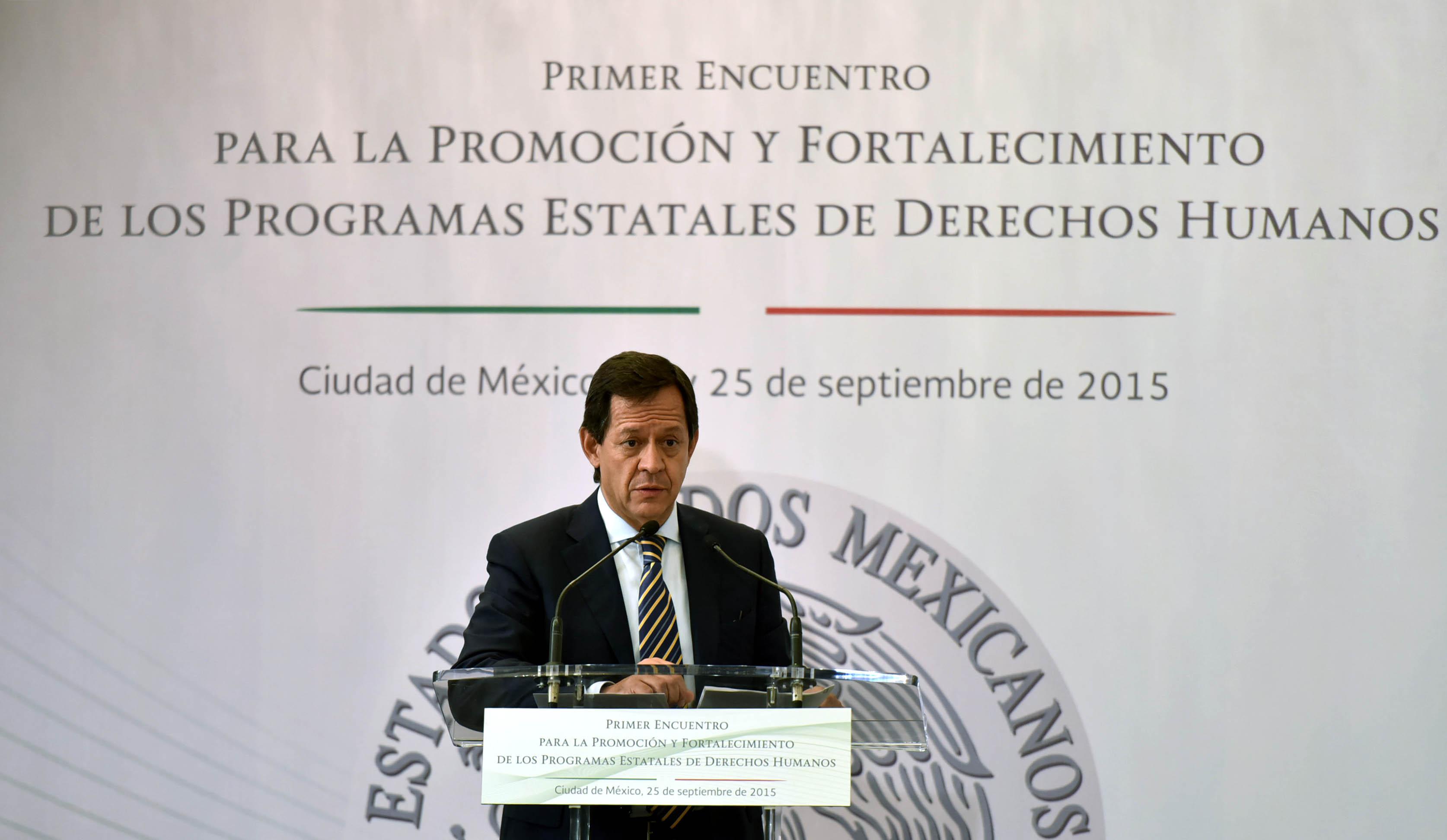 El Subsecretario de Derechos Humanos, Roberto Campa Cifrián, durante la clausura del Primer Encuentro para la Promoción y Fortalecimiento de los Programas Estatales de Derechos Humanos.