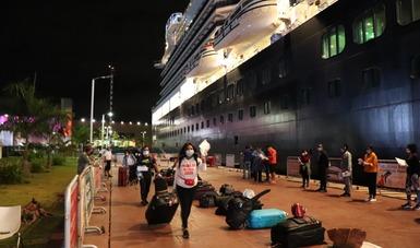 El barco procedente de La Romana, República Dominicana, arribó a la terminal de Puerta Maya de Cozumel