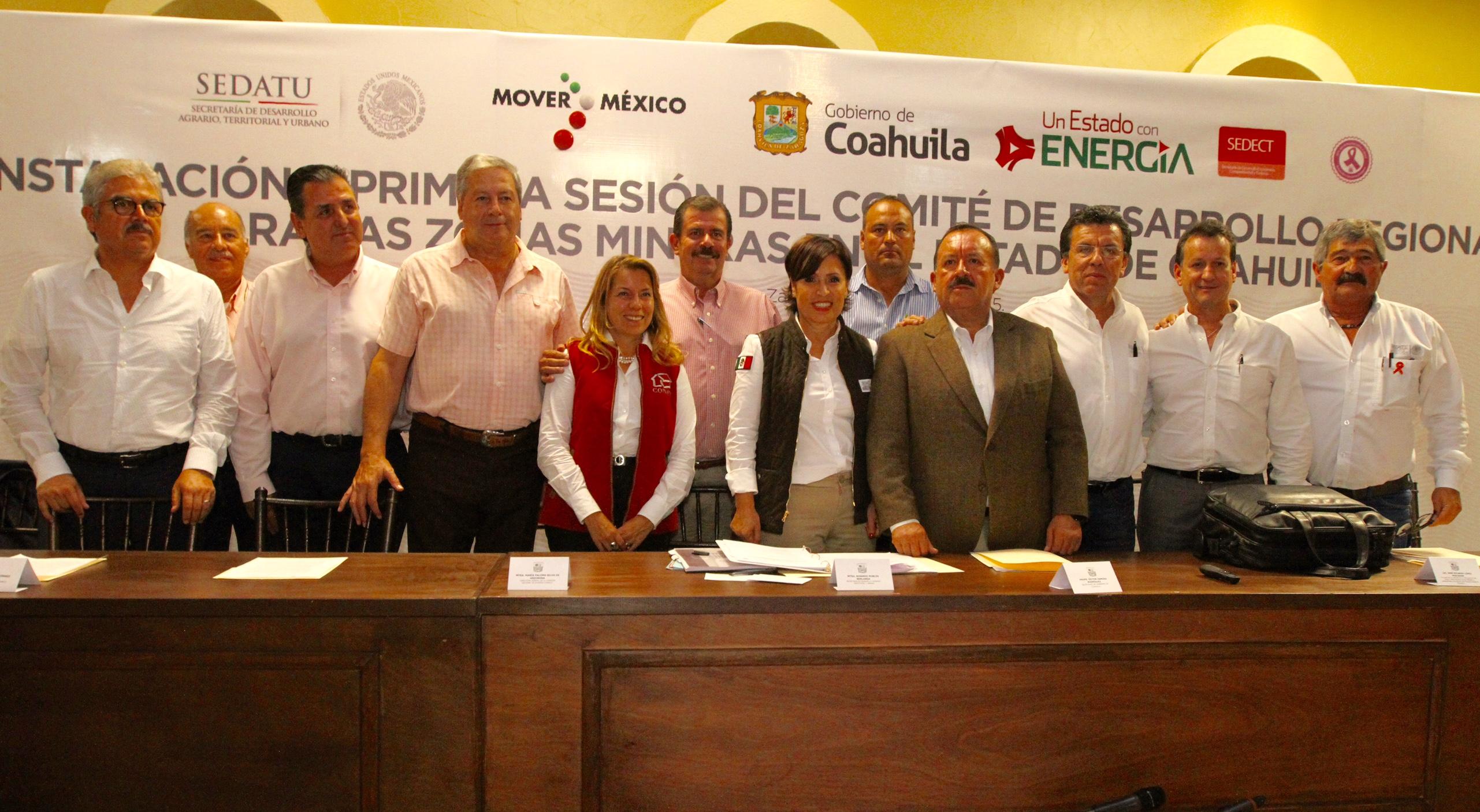 La secretaria de Desarrollo Agrario, Territorial y Urbano, Rosario Robles Berlanga, instaló y presidió la sesión inicial Comité de Desarrollo Regional para las Zonas Mineras en el estado de Coahuila.
