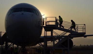 Arriba cuarto vuelo del puente aéreo México-Nevada con 50 ventiladores
