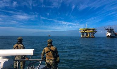 Elementos Navales vigilan la sonda de Campeche