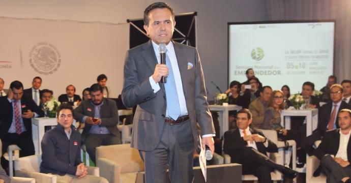 El Secretario de Economía presenta la Semana Nacional del Emprendedor