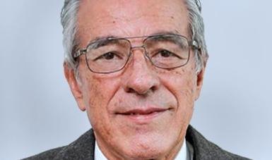 Víctor Martínez Bolaños, titular de la Unidad de Administración y Finanzas.