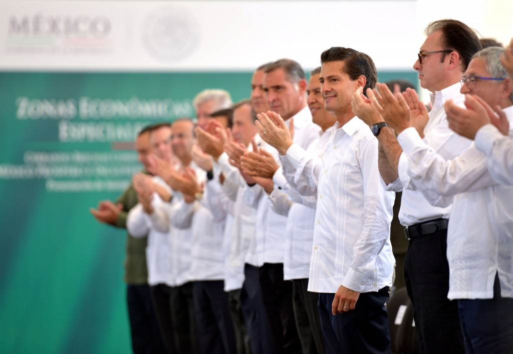 Vista parcial del presídium, donde destaca la presencia, en primera fila de la Titular del Jefe del Ejecutivo, Enrique Peña Nieto.
