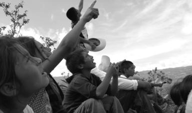 """""""El sembrador """" es un documental realizado por Melissa Elizondo. La historia se centra en un maestro rural que llega a una comunidad tsotsil en Chiapas. Foto: Cortesía ENAC y Melissa Elizondo, realizadores."""