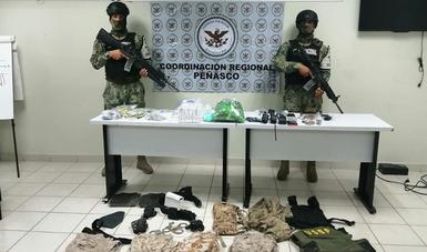Asegurados casi mil envoltorios presumiblemente de droga, municiones, numerario, siete vehículos, así como equipo de comunicación y táctico.