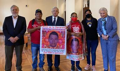 Presidente López Obrador se reúne con madres y padres de los 43 estudiantes desaparecidos de Ayotzinapa