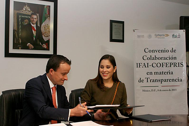El Comisionado Federal, Mikel Arriola, y la Comisionada Presidenta, Ximena Puente de la Mora, suscribieron un Convenio de Colaboración