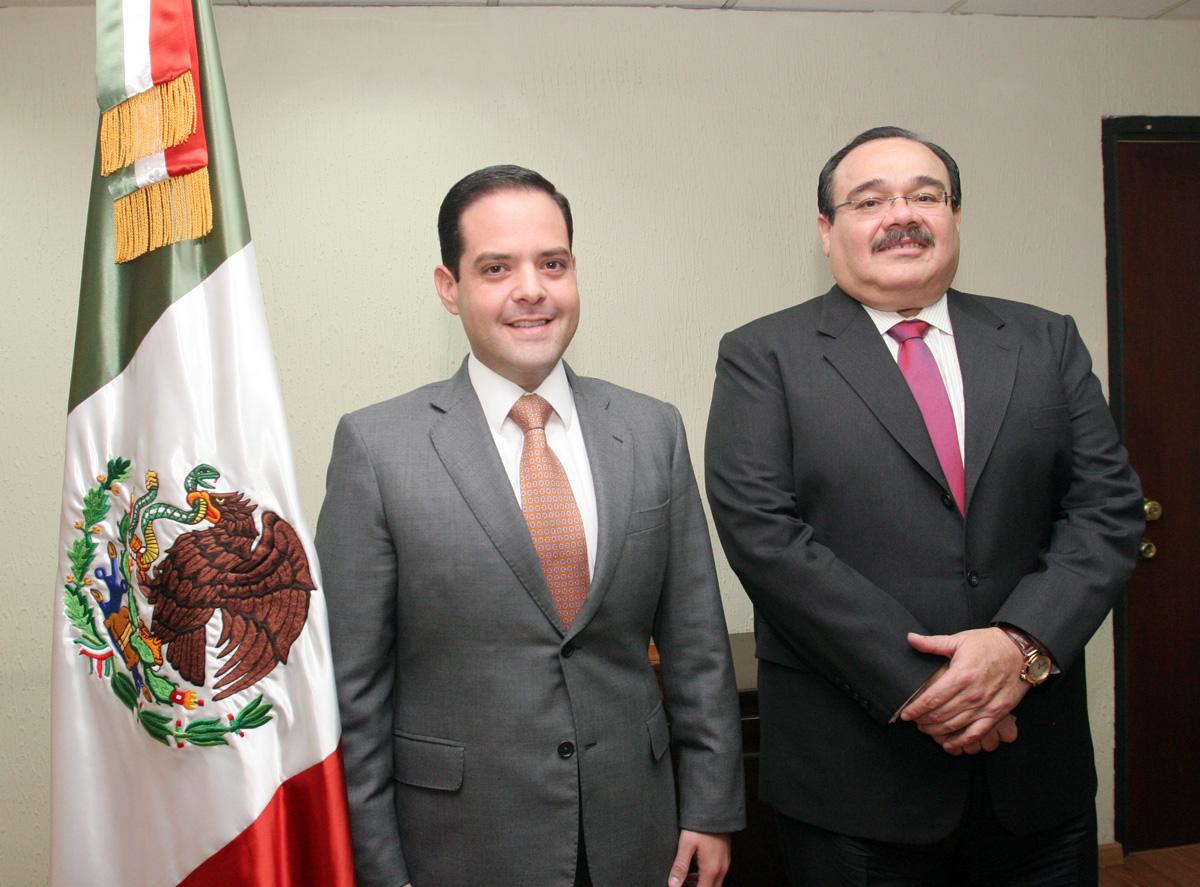 El secretario de la Reforma Agraria, Jorge Carlos Ramírez Marín, dio posesión a Manuel Ignacio Acosta Gutiérrez, como director en jefe del Registro Agrario Nacional (RAN).