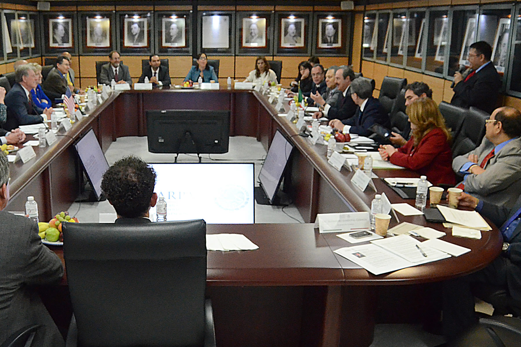 El titular de la SAGARPA, Enrique Martínez y Martínez, y el gobernador del estado de Idaho, Estados Unidos, Butch Otter, se reunieron para tratar asuntos relacionados con el intercambio  y la cooperación agroalimentaria.