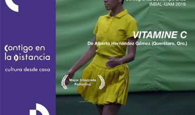 Bárbara Valencia Bladinieres recibió la distinción de Mejor Intérprete Femenina por la propuesta Vitamine C.