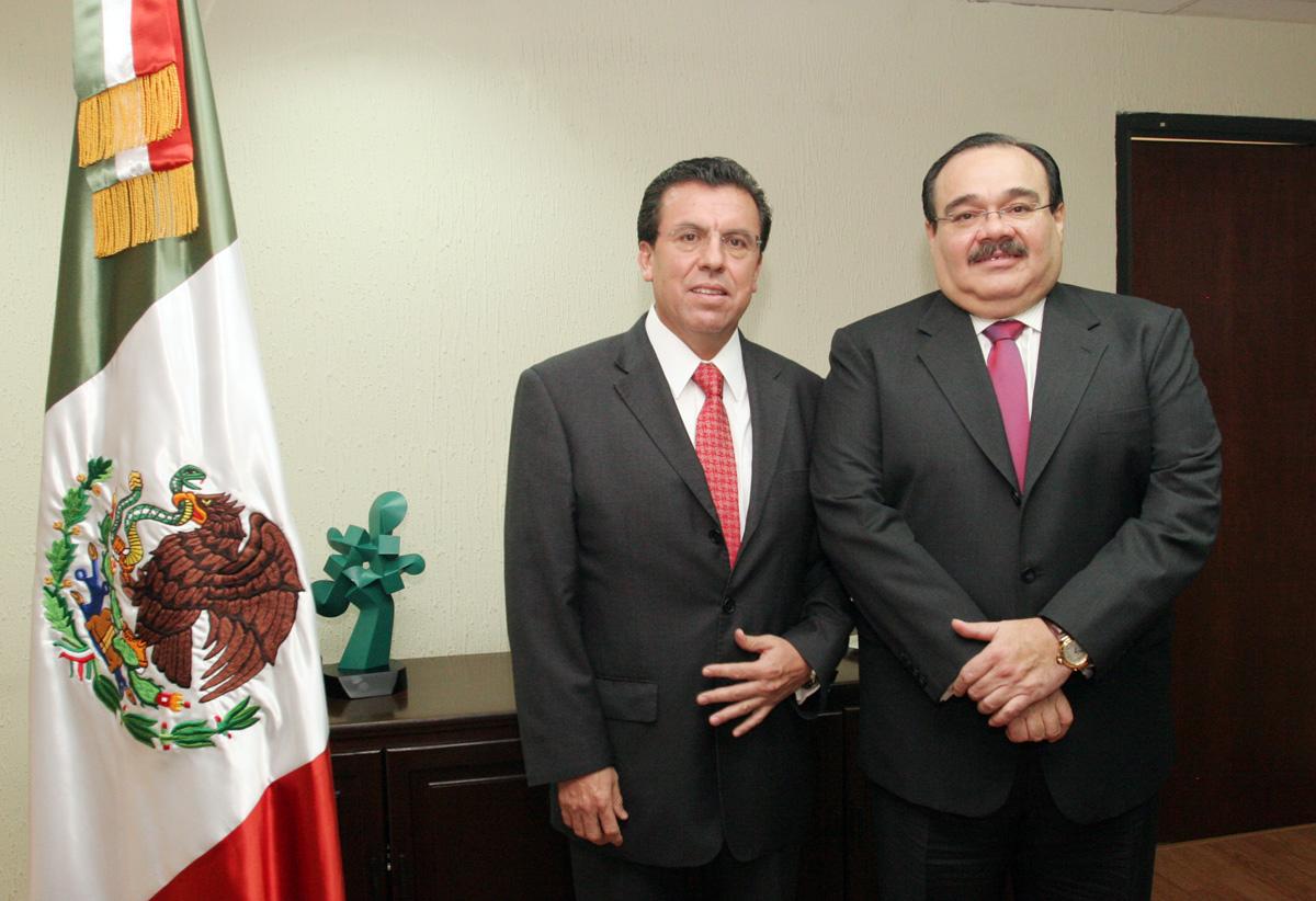 Jorge Carlos Ramírez Marín, titular de la SRA, dio posesión a Ricardo López Pescador como director general del Fideicomiso Fondo Nacional de Fomento Ejidal (Fifonafe)