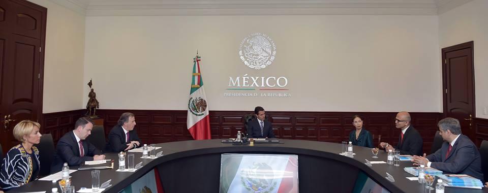 Durante el encuentro, ambos dialogaron sobre la evolución y fortalecimiento de la presencia de Microsoft en México a lo largo de 20 años, así como de las perspectivas de las telecomunicaciones en el mundo actual.