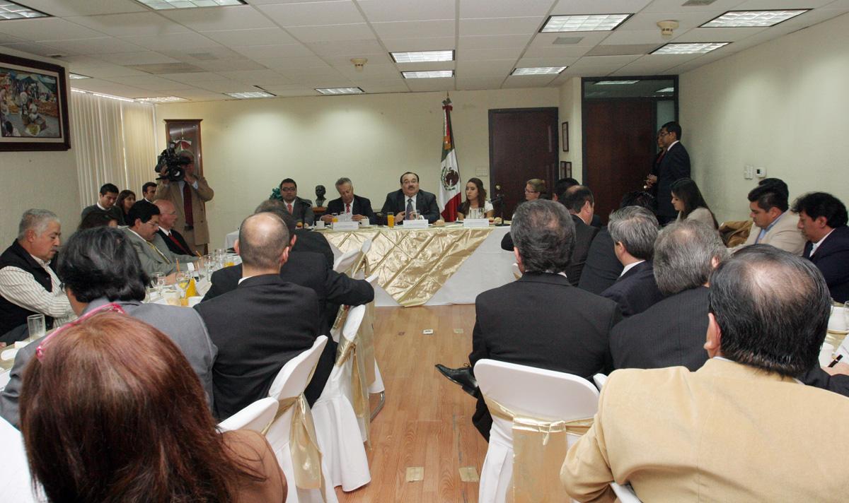 El secretario de la Reforma Agraria, Jorge Carlos Ramírez Marín, se reunió este jueves con los delegados de la dependencia.