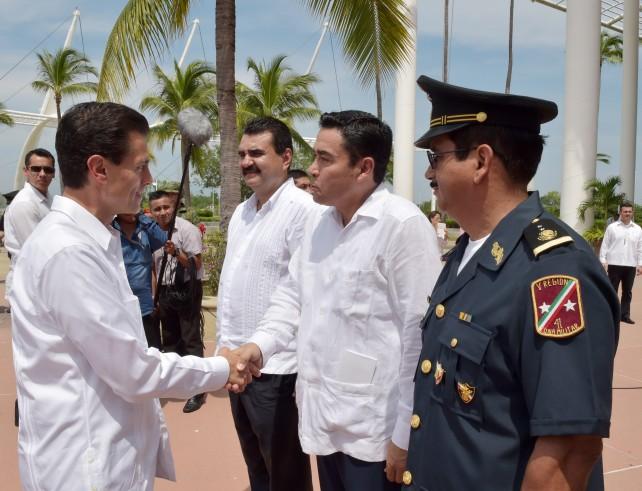 El Presidente Peña Nieto arriba a Puerto Vallarta, Jalisco, que fue sede del evento.