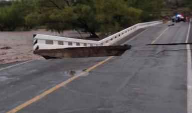 Personal de la SCT con maquinaria se encuentra listo para trasladarse a reparar los daños en la infraestructura carretera