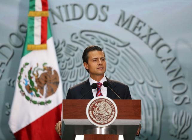 En este Gobierno estamos decididos a establecer una nueva relación con nuestros intelectuales, creadores y científicos, una relación positiva que le sirva a México, fincada en el diálogo, el entendimiento y desde luego, y lo más importante, en el absoluto