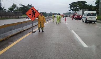 Cuadrillas de trabajadores de la SCT se encuentran preparadas para atender los probables daños