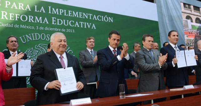 Tengan plena seguridad de que con la Reforma Educativa ustedes, los maestros de México, tendrán mayor certeza laboral y oportunidades reales de crecimiento y desarrollo profesional.