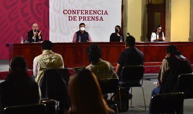 El subsecretario de Ordenamiento Territorial, David Cervantes, al participar en la conferencia donde informó sobre los avances del Programa Emergente de Vivienda.