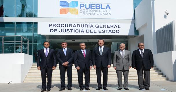 Jesús Murillo Karam, durante la inauguración de las instalaciones de la Procuraduría General de Justicia del estado de Puebla