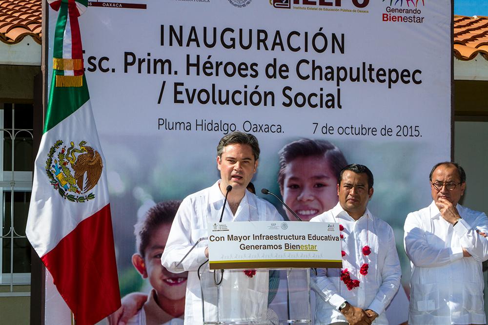 Entrevista al secretario de Educación Pública, Aurelio Nuño Mayer, al término de la Inauguración de la Escuela Primaria Héroes de Chapultepec/Evolución Social