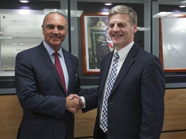 Reunión del secretario José Calzada Rovirosa con el viceprimer ministro de Nueva Zelanda, Bill English.