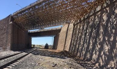 El Centro SCT Chihuahua, a través de su Residencia General de Conservación de Carreteras, concluye las labores en el Paso Superior Pemex Derecho.