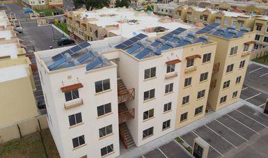 Fotografía del proyecto entre la empresa Vinte, Conavi, Infonavit y Alener. Viviendas sustentables.