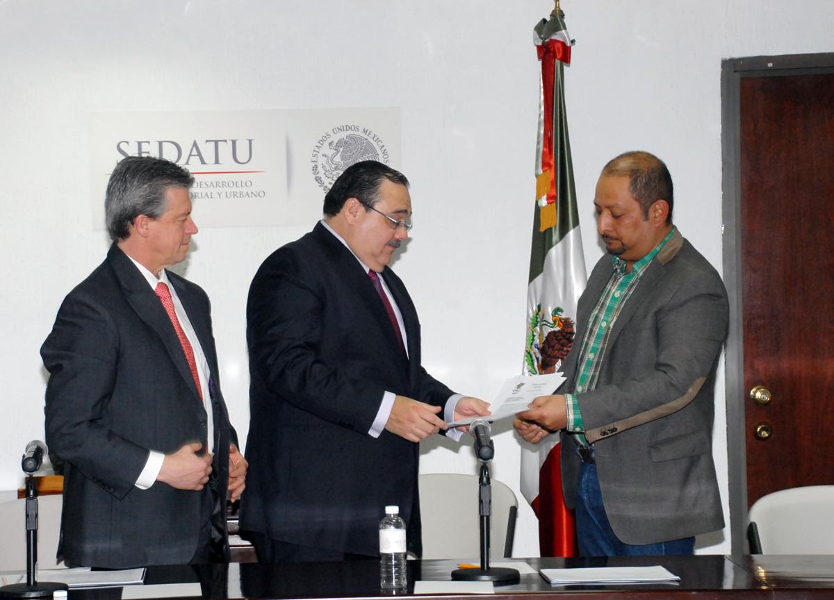 El Secretario de Desarrollo Agrario, Territorial y Urbano (SEDATU), Jorge Carlos Ramírez Marín, se reunió con integrantes de la Central Campesina Cardenista (CCC)