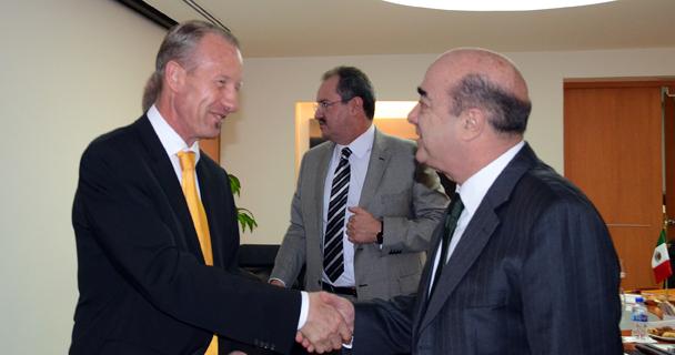 El Procurador General de la República se reúne con el Embajador de Suiza en México