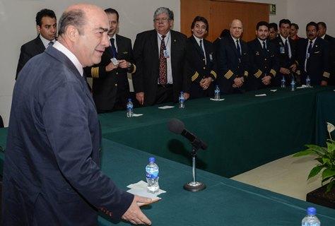Recibe PGR a sindicatos de Mexicana de Aviación