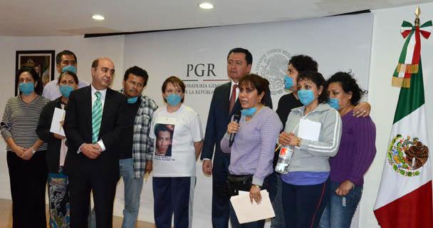 Anuncian acuerdos PGR-Gobernación y familiares de desaparecidos