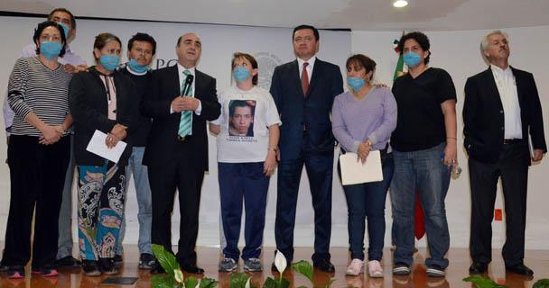 Diversas intervenciones al término de la reunión con madres de desaparecidos.