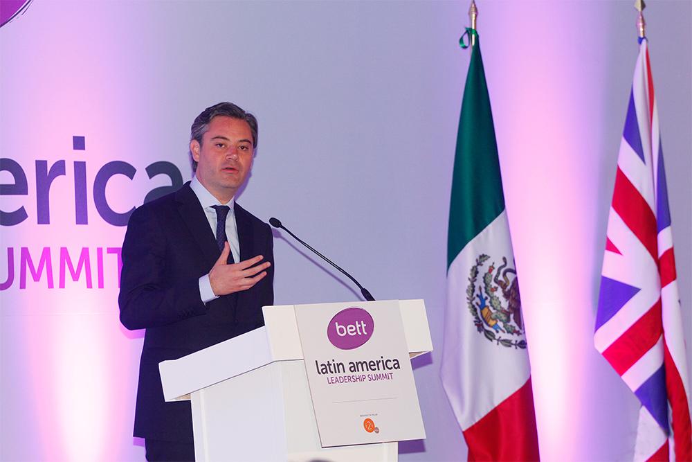 """Conferencia magistral """"Construyendo un mejor futuro: implementación de una gran Reforma Educativa en México"""", del secretario de Educación, Aurelio Nuño Mayer, durante la inauguración de la BETT Latin American Leadership Summit"""
