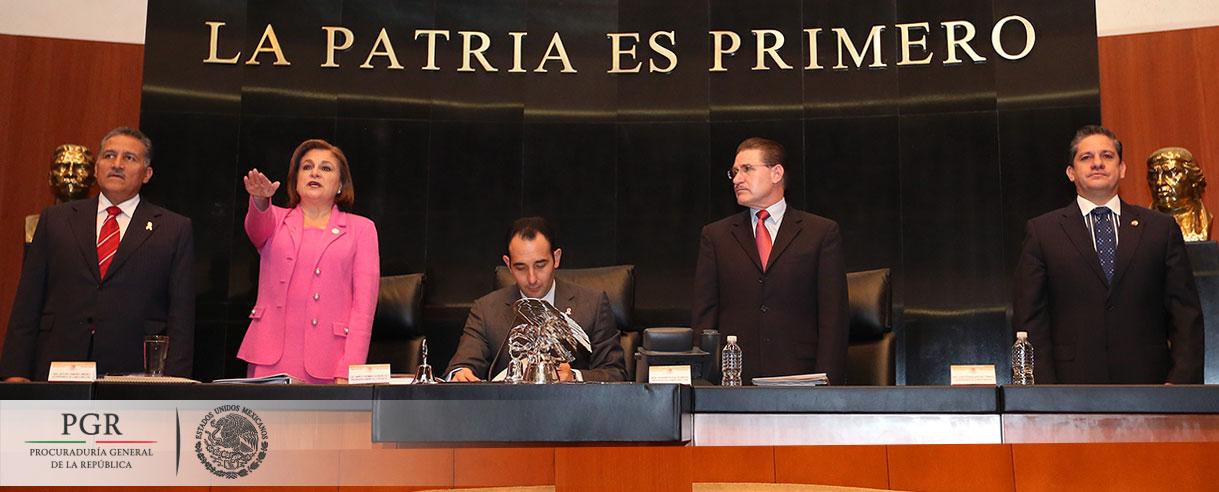 Comparece Procuradora Arely Gómez ante pleno del Senado por glosa del Tercer Informe de Gobierno