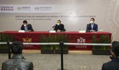 La conferencia de prensa fue presidida por el Vocal Ejecutivo, Agustín Gustavo Rodríguez López, así como por los subdirectores de Finanzas, Juan Montes Quintero, y de Crédito, Salvador Arriscorreta Maldonado