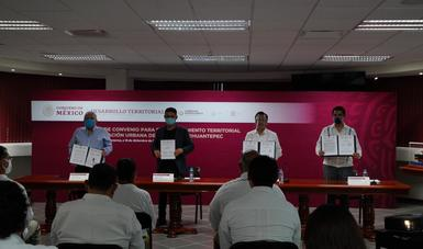 Sedatu y los gobiernos de Oaxaca y Veracruz firmaron un convenio para el ordenamiento territorial y la planeación urbana en el Istmo de Tehuantepec