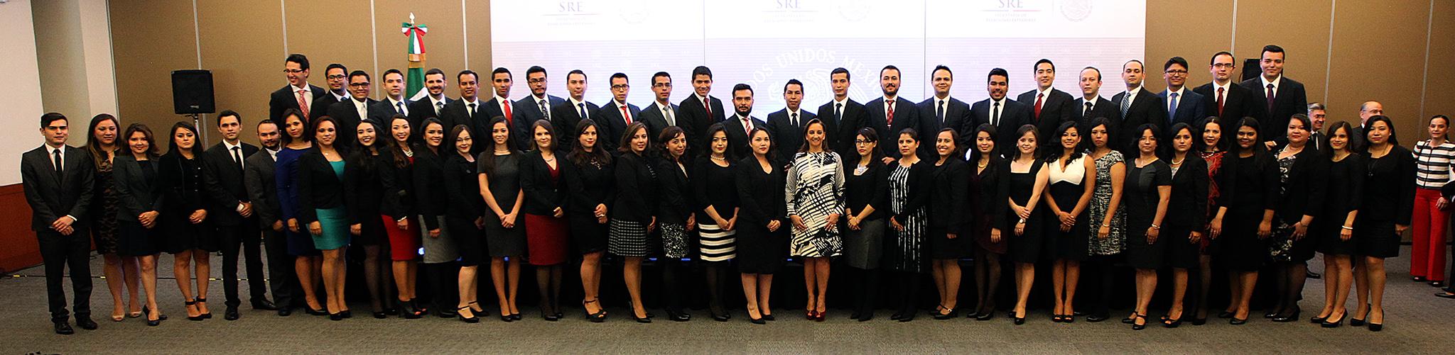 Ingresan al Servicio Exterior Mexicano de carrera miembros de la rama Técnico-Administrativa