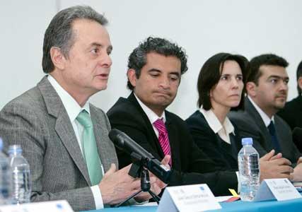 El Secretario de Energía, Pedro Joaquín Coldwell, instó a la CNH a regular equilibradamente al sector