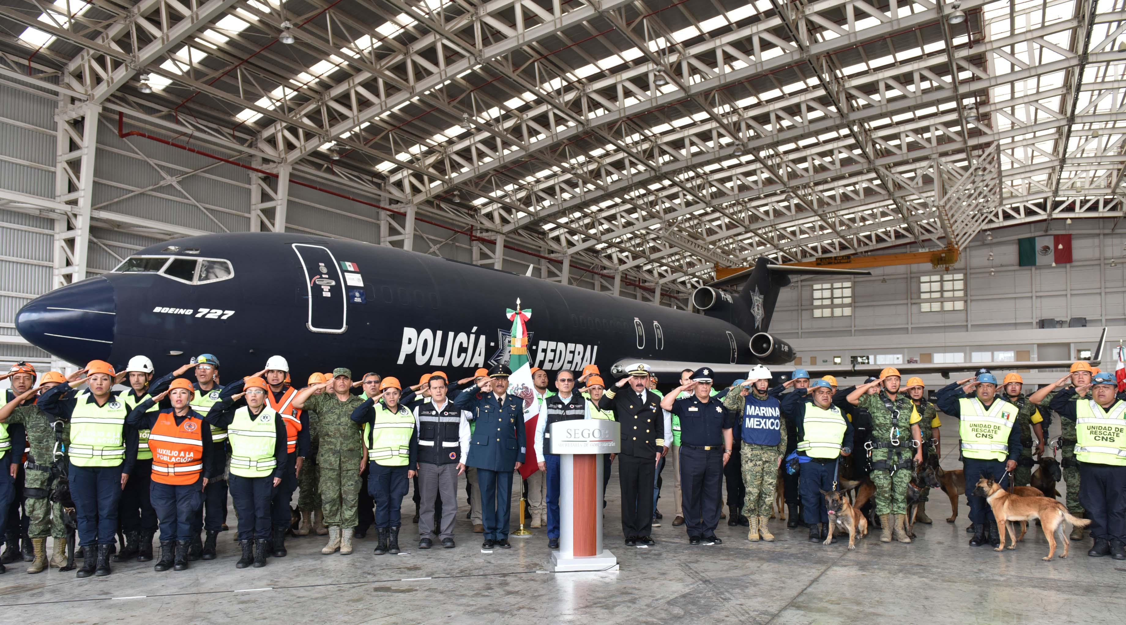 La misión de apoyo mexicana enviada a Guatemala regresó hoy tras su estancia de seis días de trabajo en aquel país.