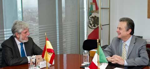 Destaca España potencial de México en energías renovables
