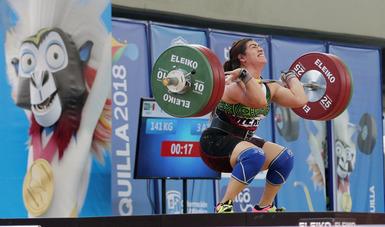 seleccionada nacional en halterofilia, Aremi Fuentes Zavala durante su participación en los Juegos Centroamericanos y del Caribe Barranquilla 2018
