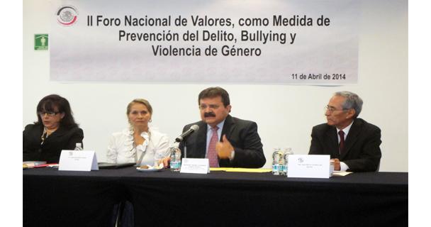 Sociedad y gobierno unidos para erradicar violencia de género, bullying y mobbing (acoso y violencia laboral): Zoreda Novelo
